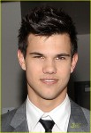 taylor-lautner-peoples-choice-2010-01