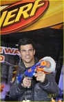 taylor-lautner-toy-fair-01