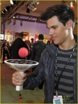 taylor-lautner-toy-fair-02