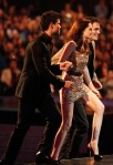 Taylor+Lautner+2011+People+Choice+Awards+Show+HowPQjfDDoll