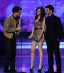 Taylor+Lautner+2011+People+Choice+Awards+Show+JrOlEMfelItl