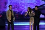 Taylor+Lautner+2011+People+Choice+Awards+Show+kAY9noDdS_zl