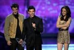Taylor+Lautner+2011+People+Choice+Awards+Show+QMtBmLv3MLOl