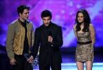 Taylor+Lautner+2011+People+Choice+Awards+Show+RPF44Gk_eVMl
