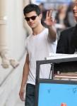 Taylor+Lautner+Taylor+Lautner+Arriving+Jimmy+W4rwLQKb3yRl