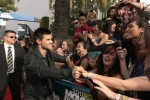 Taylor+Lautner+2011+MTV+Movie+Awards+Red+Carpet+_iGDaGZ8eoDl