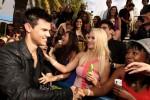 Taylor+Lautner+2011+MTV+Movie+Awards+Red+Carpet+YZQmzXw2exOl