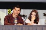 Taylor+Lautner+Kristen+Stewart+Comic+Con+Q+2QzFf4blag0l