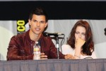 Taylor+Lautner+Kristen+Stewart+Comic+Con+Q+OnK1z4oShLzl