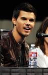 Taylor+Lautner+Twilight+Saga+Breaking+Dawn+fSSuFfdi-ePl