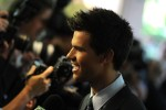 Taylor+Lautner+Hollywood+Foreign+Press+Association+n-Uj66p333Ol