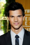 Taylor+Lautner+Hollywood+Foreign+Press+Association+Rul7CykasOil